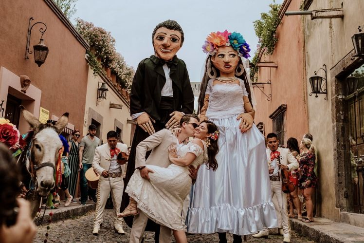 typical wedding tradition in San Miguel de Allende